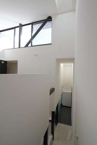 22中2階玄関見下ろし2.jpg